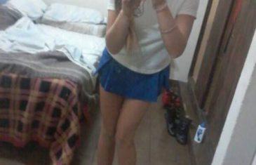 chibola-tetona-de-falda-azul-desnuda-para-su-novio-5