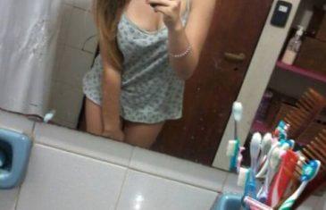 chibola-tetona-de-falda-azul-desnuda-para-su-novio-9