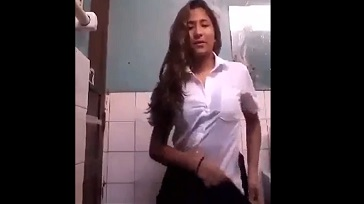 Colegiala peruana con ganas de verga 364x204